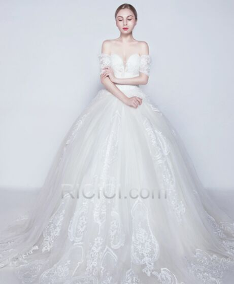 Fall Low Cut Open Back 2018 Ball Gowns Long Bridals Wedding Dress Off The Shoulder Short Sleeve White Elegant Satin