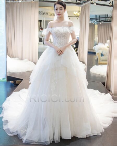 Open Back Appliques Off The Shoulder Wedding Dresses Rhinestones 2018 Tulle White Peplum Sleeveless Ball Gown Charming