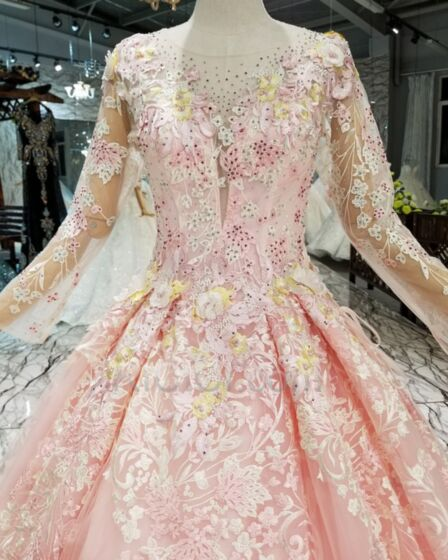 Sweet 16 Dresses Blushing Pink Backless Long Quinceanera Dresses Prom Dress With Train Lace Occasion Gowns Low Cut Cute See Through