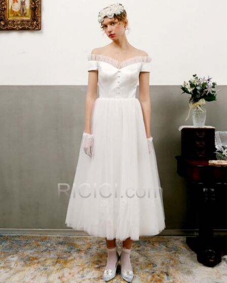 Vintage Tulle Ruffle Off The Shoulder Satin Backless Short Sleeve Bridal Gowns Fit And Flare