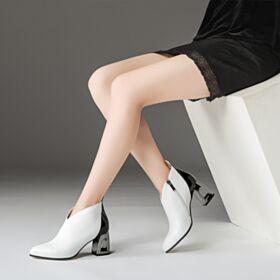 Chelsea Blokhakken Comfort Enkellaarsjes 7 cm Heels Lak Witte