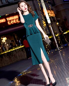 Beautiful Peplum Satin Slit Wedding Party Dress Sheath Mother Of Bridal / Groom Dress Short Sleeve Dark Green Tea Length