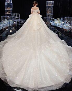 Brillante Glitter Élégant Epaule Dénudée Robe De Mariée Dos Nu À Volants Longue Peplum