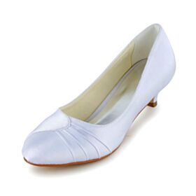 Satin White Stilettos Flounce Winter Heels 5 cm / 2 inch Formal Bridesmaid Pumps Pointed Toe Shoes For Women
