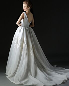 Sexy Flounce Backless / Open Back Spring A line Satin Lace Sleeveless Wedding Dresses Long With Train Low Cut