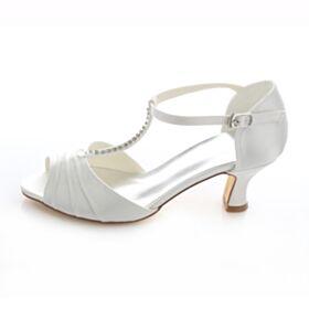 Braut Brautjungfern Sandalen Highheels 5 cm / 2 inch Peeptoes Weiß Schuhe Stilettos Satin Strasssteine Knöchelriemen T Strap