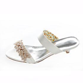 Chaussure Demoiselle D'honneur Mariée Petit Satin Peep Toe 4 cm Talons Strass Sandales Blanche