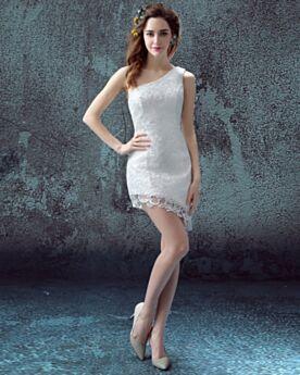 Spitzen Etui Asymmetrisches Weiß Rückenfreies Strand Brautkleider Kurze Elegante Schlichte Ärmellos