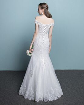 Witte Strakke Bruidsjurken Off Shoulder Lange Kanten Elegante Mouwloze