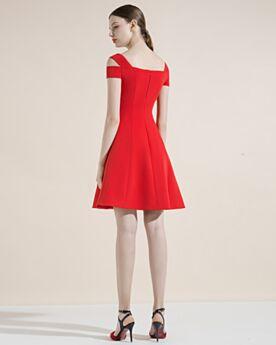 Rouge Élégant Dos Nu Évasée Satin Robe De Cocktail Robe Pour Mariage Ajourée Courte Simple