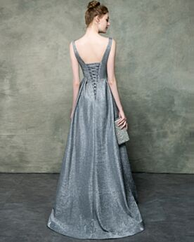 Elegante Lange Avondjurken Laag Uitgesneden Glitter Zilveren Open Rug