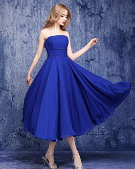 Volant Schlichte Kleider Hochzeitsgäste Rückenausschnitt Wadenlang Fit N Flare Sommer Royalblau Tragerloses Brautjungfernkleider