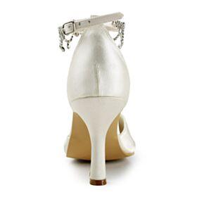 Élégant Ivoire Chaussure Mariée Sandale Avec Bride Cheville 8 cm Talons Hauts Satin Avec Strass Talons Aiguilles
