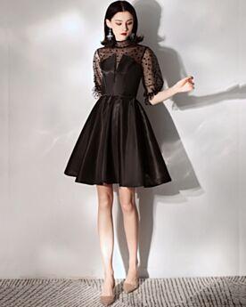 Svasato Corti Little Black Dress Vestiti Cerimonia Collo Alto A Balze Semplici In Raso Neri