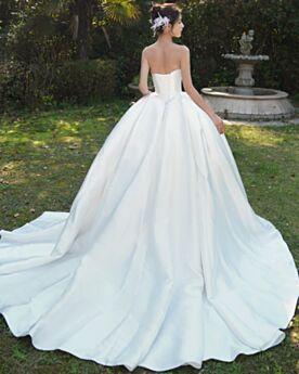 Ärmellos 2020 Hochzeitskleider Mit Schleppe Bandeau Schleife Rüschen Elegante Weiß