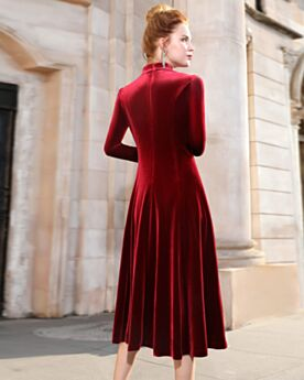 Rhinestones Princess Long Sleeves Mother Of Groom Dress Burgundy Velvet Modest Beautiful Beading Knee Length
