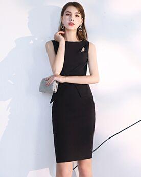 Knee Length Vintage Black Little Black Dresses Sheath Semi Formal Dress