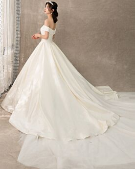 Tulle Princess Off The Shoulder Backless Short Sleeve Wedding Dress