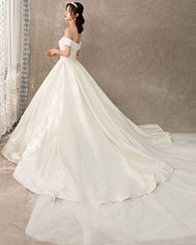 Tulle Princess Off The Shoulder Backless Short Sleeve Wedding Dress