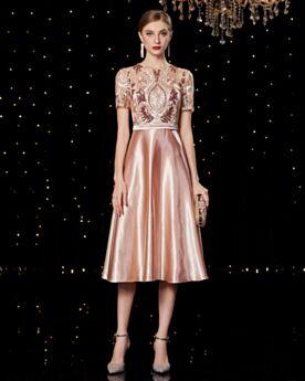 Brautmutterkleid Wadenlang Festliche Kleider Spitzen Koralle Satin Kleider Hochzeitsgäste Abendkleider Elegante Stickerei