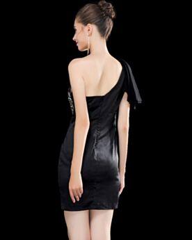 Mini Etui Plissee Rückenausschnitt Kristall Schöne Ärmellos Kundengerecht One Shoulder Cocktailkleid Schwarz Tüll