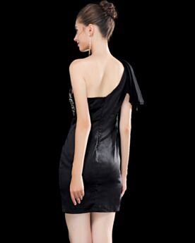 Short Open Back Cute Black One Shoulder Sheath Cocktail Dresses With Crystal Pleated