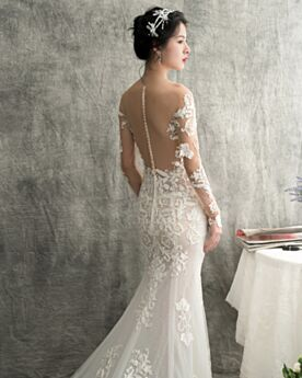 See Through Long Sleeved Lace Scoop Neck Wedding Dresses Appliques Charming Beach Plunge Backless