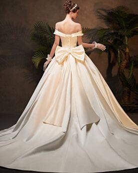 Satin Prinzessin Elegante Hochzeitskleider Rückenfreies Rüschen Off Shoulder Mit Schleppe Vintage Lange