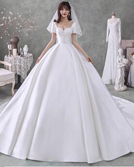 Élégant Boule Robes De Mariée Avec La Queue Bustier Blanche Originale