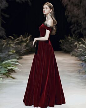Charming Off The Shoulder Princess Velvet Wedding Party Dress Burgundy Evening Dress Simple