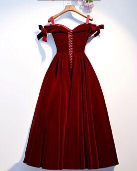 A Line Off The Shoulder Burgundy Sleeveless Cocktail Dresses 2020 Velvet Simple