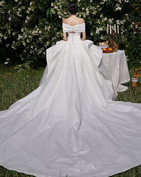 Backless Glitter Ruffle With Train Strapless Wedding Dress Satin White Sparkly Vintage Elegant Ball Gown