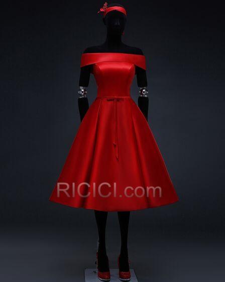 Évasée Robe D'honneur Dos Nu Rouge Epaule Dénudée Vintage Mi Longue Simple