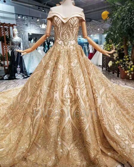 Peplum Brillante Princesse Belle Manche Courte Luxe Glitter Paillette Epaule Dénudée Décolleté Dorée Robe De Mariée