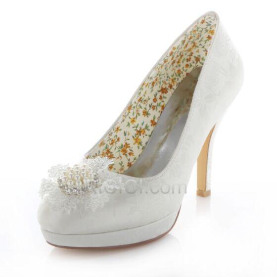Braut Brautjungfern Pumps Highheels Weiß Frühlings Fallen Stilettos 10 cm / 4 inch Perle Strasssteine Hochhackige Schuhe