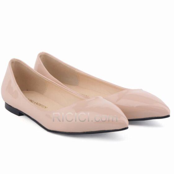 Planas PU De Punta Fina De Charol Nude Ballerina