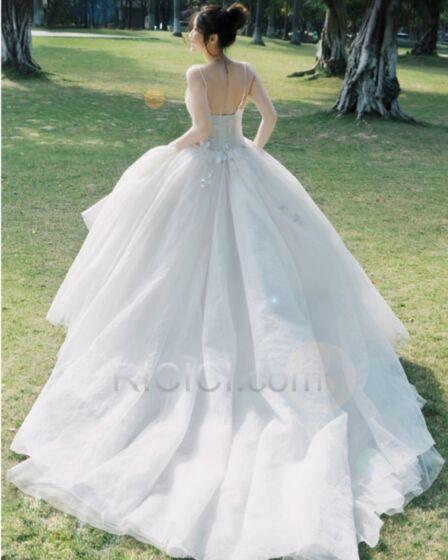 Tüll Petticoatkleid Brautkleider Tiefer Ausschnitt Applikationen Lange Rückenausschnitt Mit Schleppe Elegante Boho Ärmellos