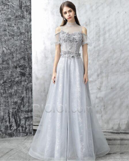 Lange Konfirmations Festliche Abendkleider Silber Sexy Schöne Hochgeschlossene Applikationen Rückenfreies Spitzen A Linie Kurzarm