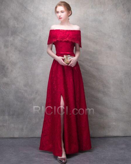 Brautjungfernkleid Kurzarm Partykleider Rückenausschnitt Schößchen Burgunderrot Abendkleider Schulterfreies Lange Spitzen