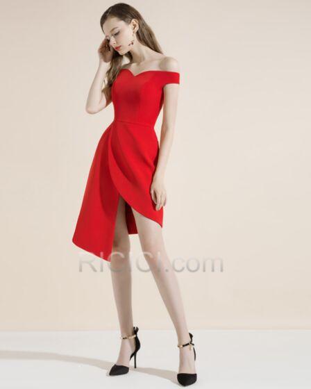 Schulterfreies Volant Kurze Cocktailkleid Hochzeitsgäste Kleider Asymmetrisches Schlichte Rot