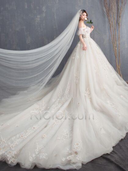 プリンセス アイボリー ストラップ レス ハーフスリーブ ウェディングドレス チュール レース トレーン ボヘミアン バックレス 94020180730