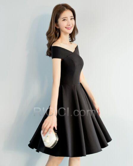 フレア シンプル な ショート v ネック LBD サテン セミ フォーマル ドレス ブラック 55020180928