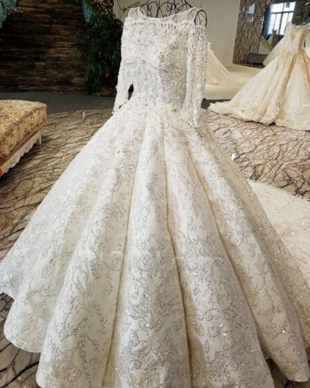 ウェディングドレス 白い キラキラ プリンセス オープンバック レース スパンコール エレガント ロング 長袖 95420181203